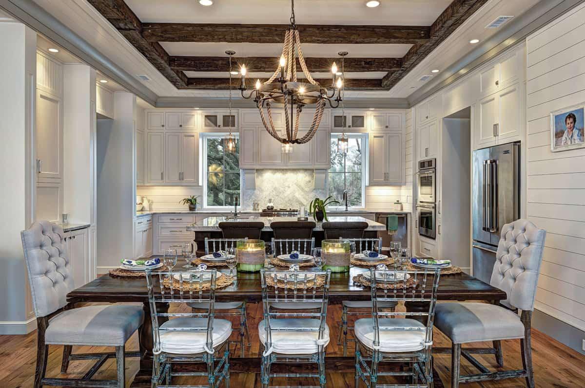 beach-house-beach-style-dining-room
