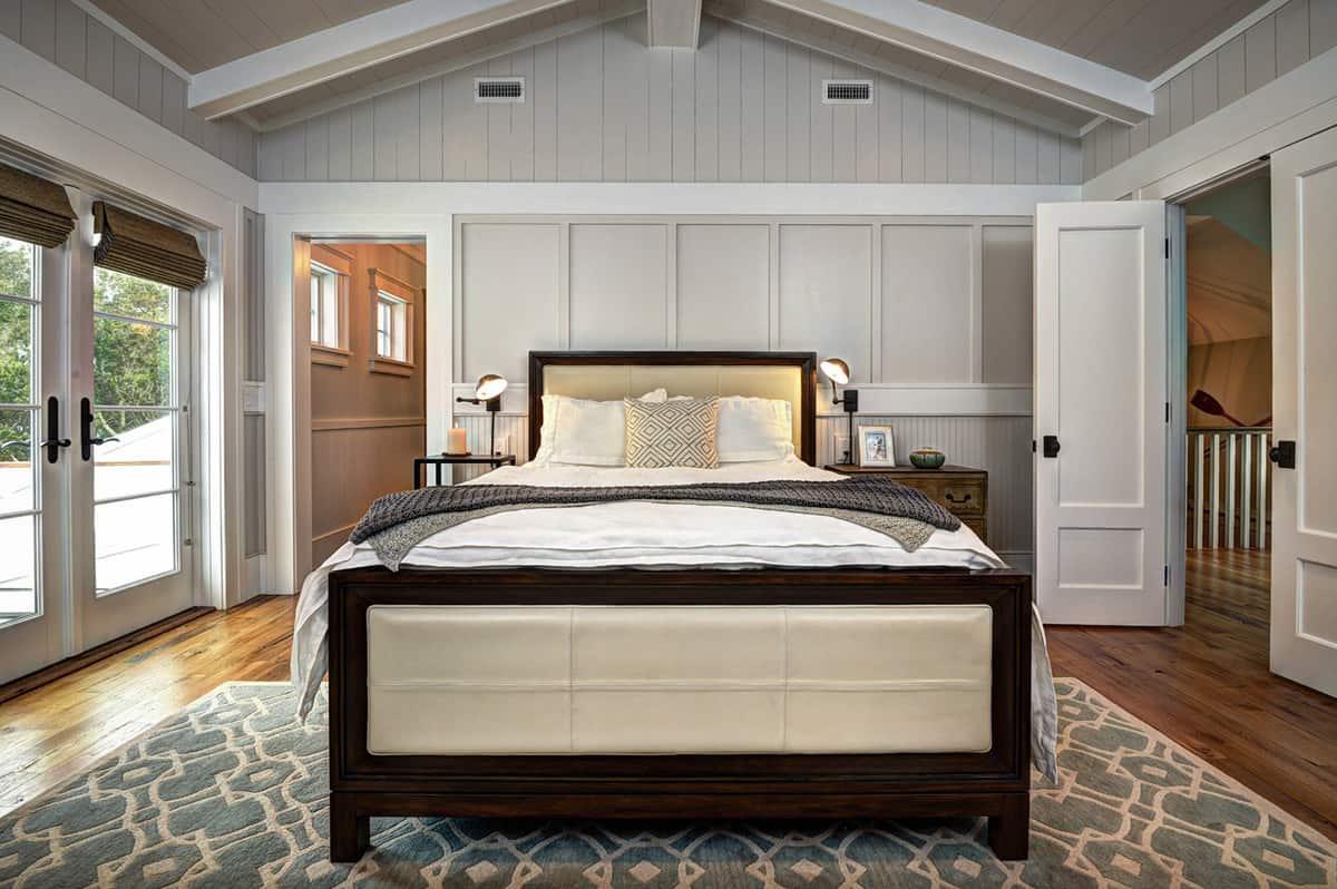 beach-house-beach-style-bedroom