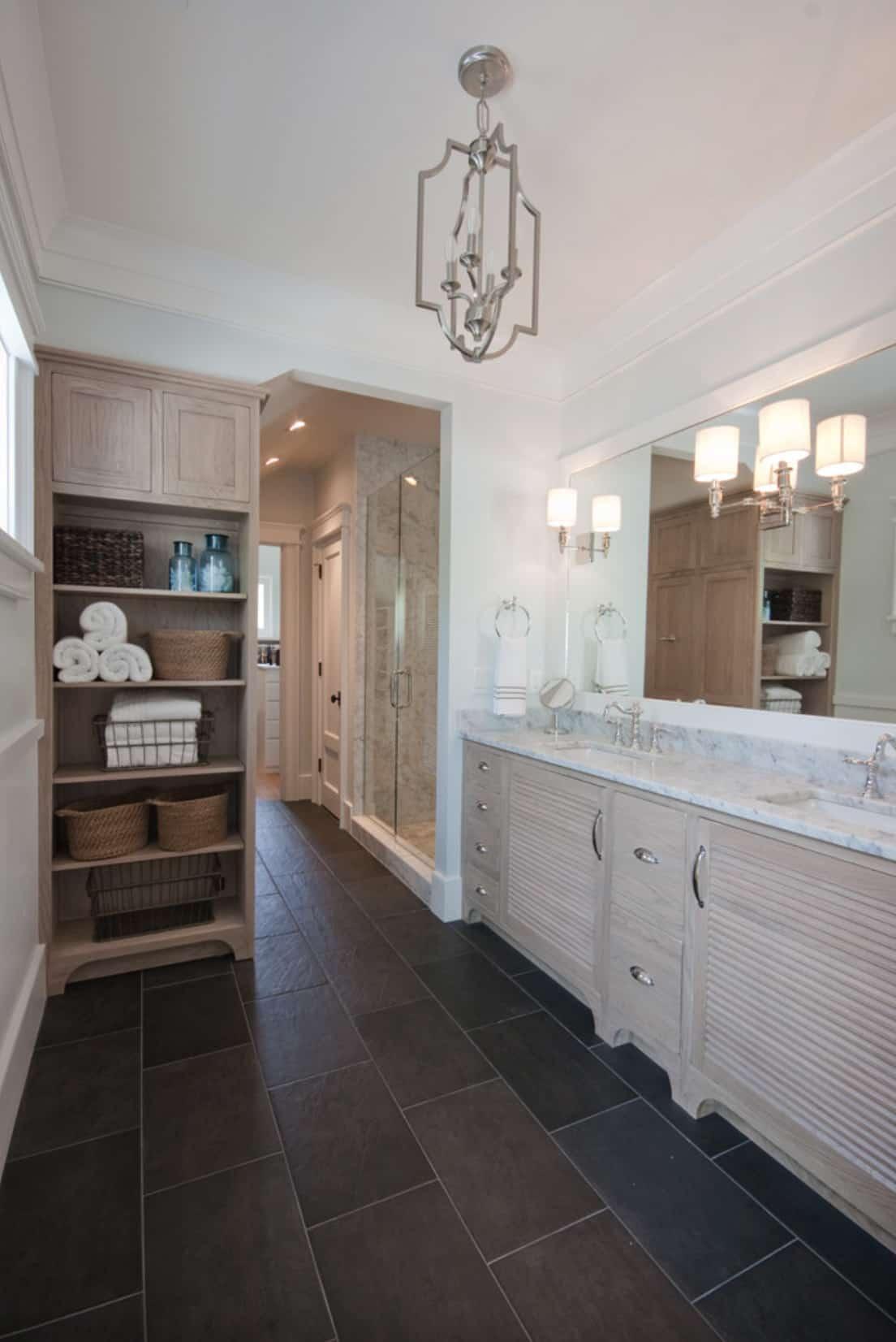 beach-house-tropical-bathroom