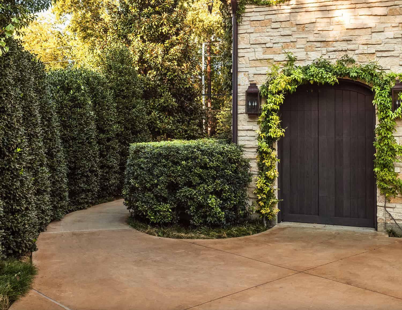 traditional-home-exterior-garage