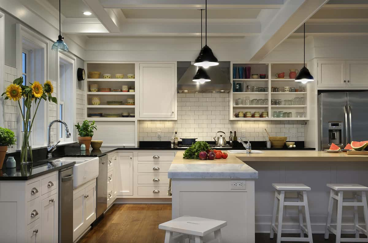 traditional-style-kitchen-with-open-shelving-and-island