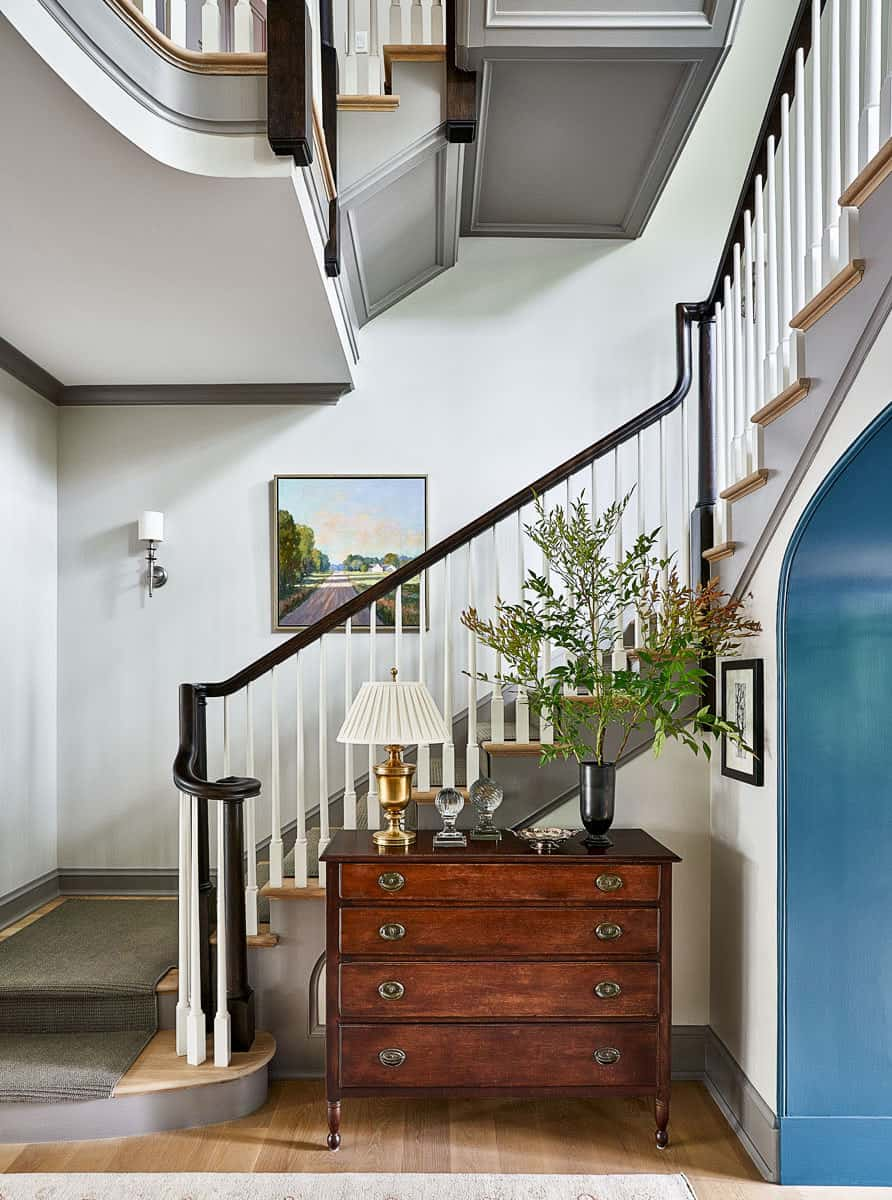 traditional-lake-house-entry-with-staircase
