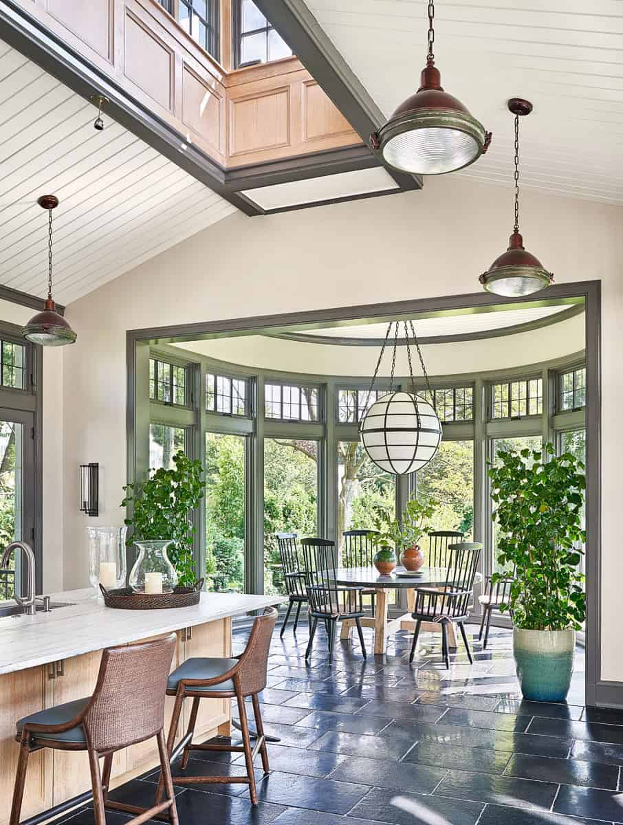 traditional-kitchen-casual-dining