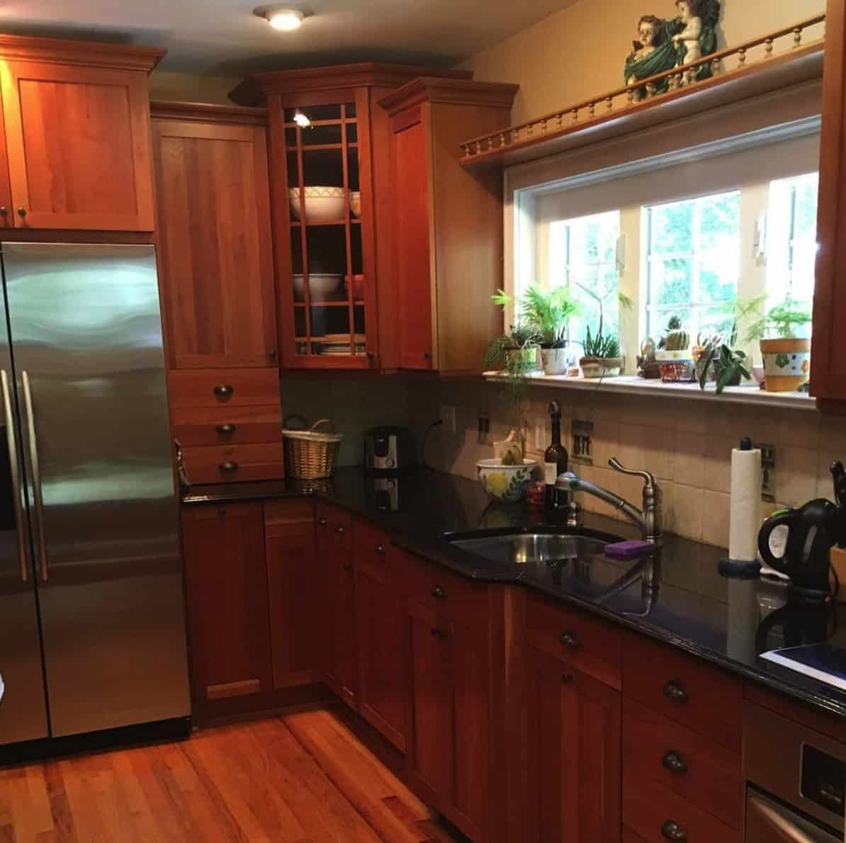 Tudor-revival-kitchen-before-the-renovation