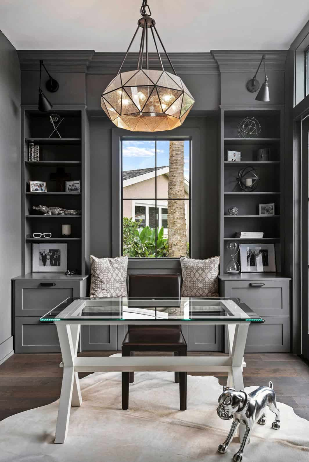 traditional-style-home-office