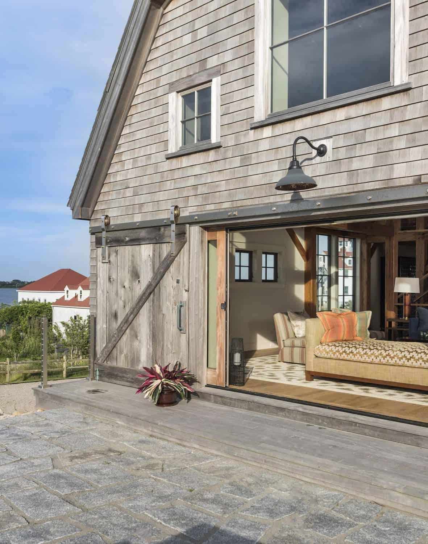 beach-barn-house-exterior
