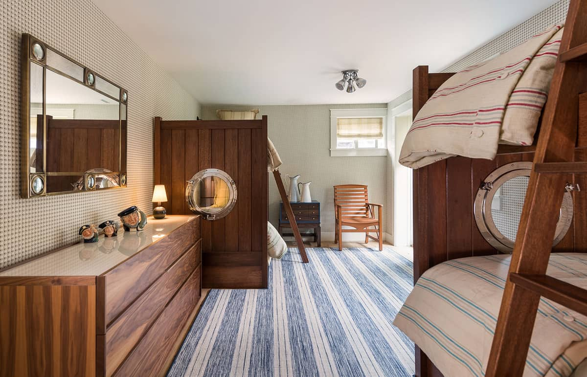 beach-barn-bunk-bedroom