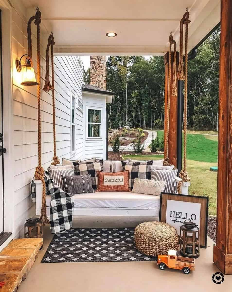 fall-porch-decorating-ideas-with-pumpkins-and-swing