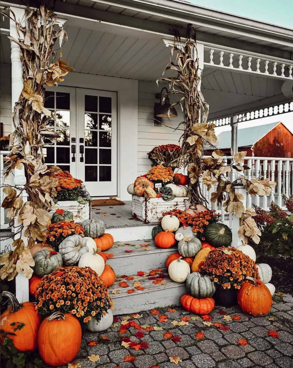 fall-porch-decorating-ideas-with-pumpkins-mums