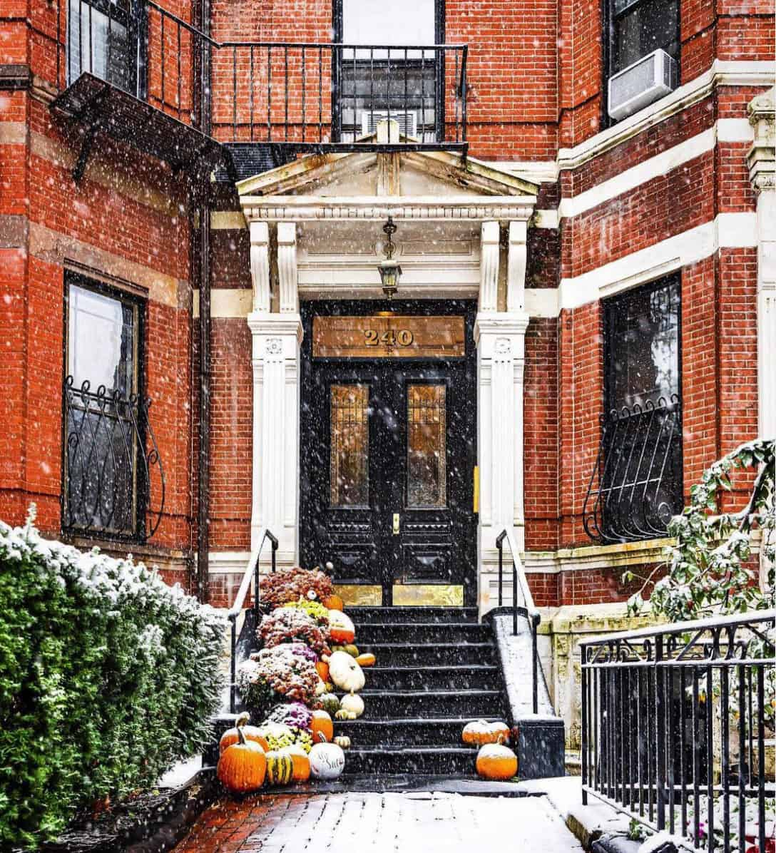fall-porch-decorating-ideas-with-pumpkins