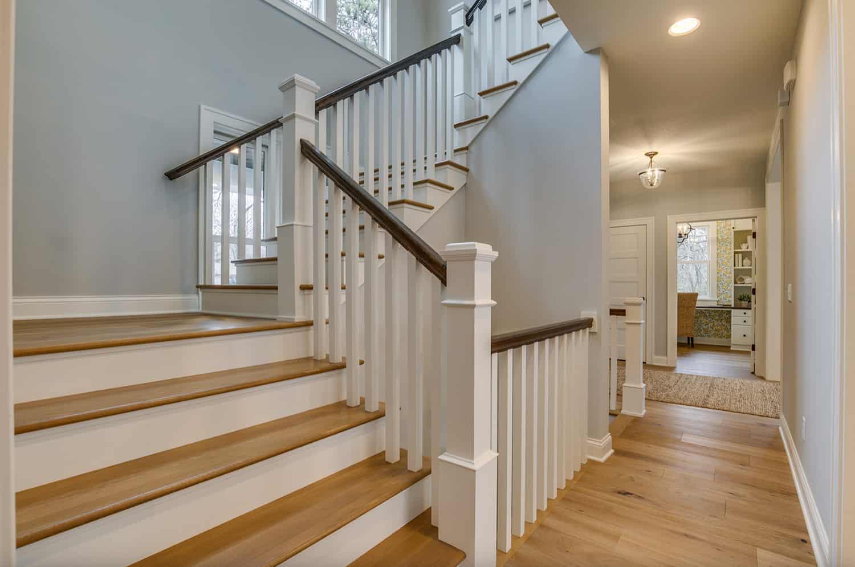 farmhouse-style-staircase