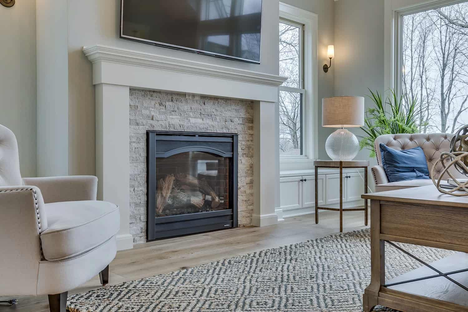 farmhouse-style-living-room-fireplace