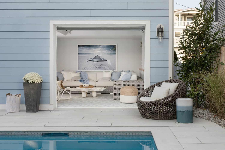 amazing-seaside-retreat-swimming-pool