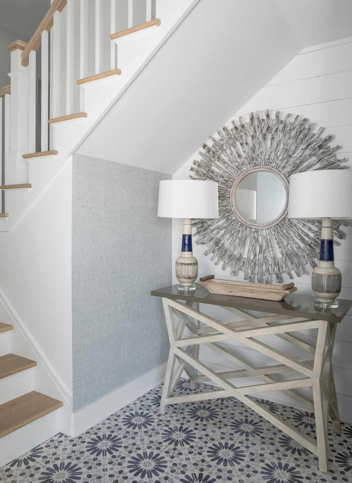 amazing-seaside-retreat-staircase