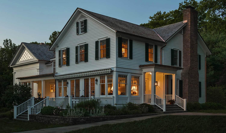 hudson-valley-farmhouse-exterior
