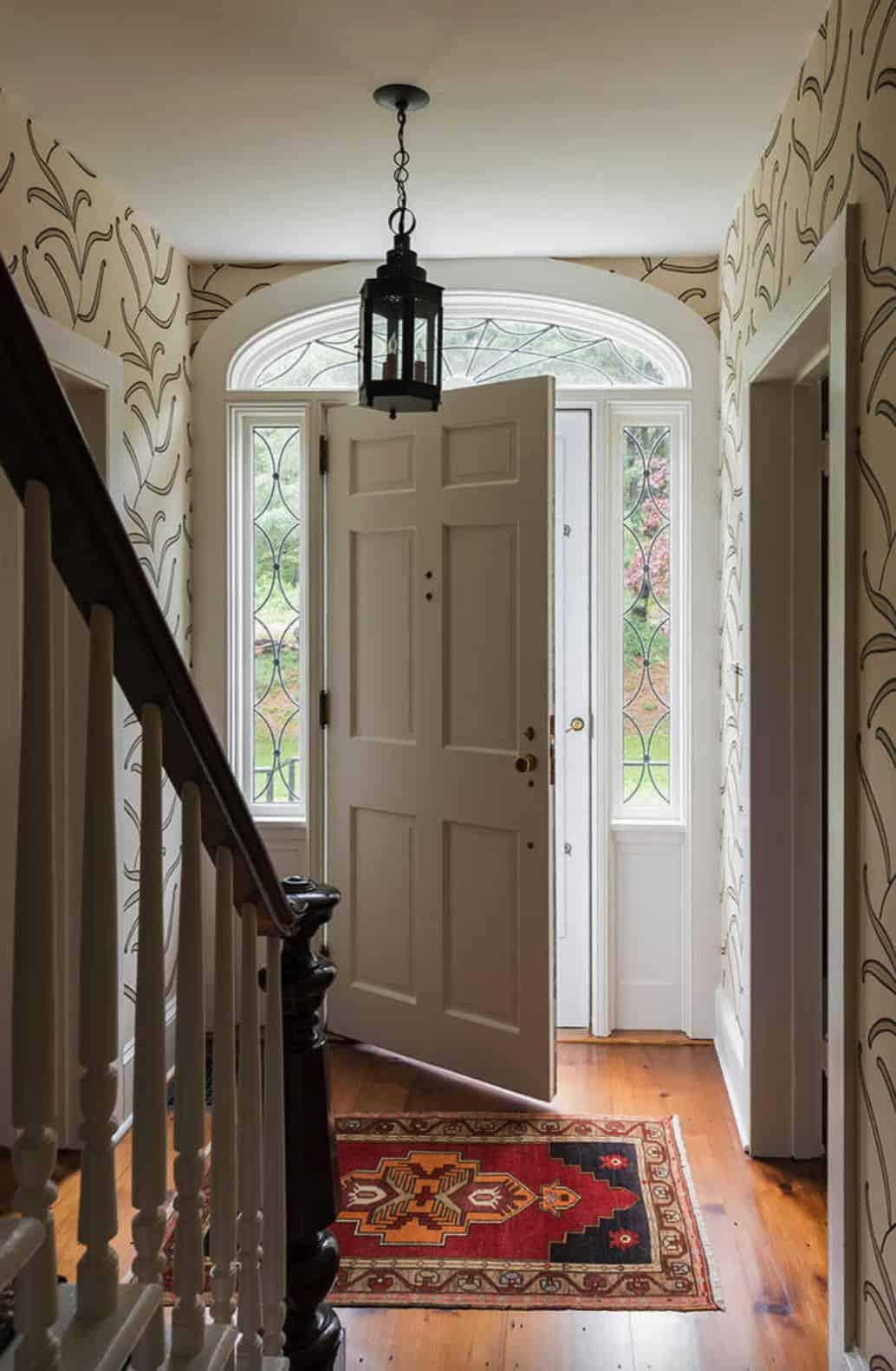 farmhouse-entryway