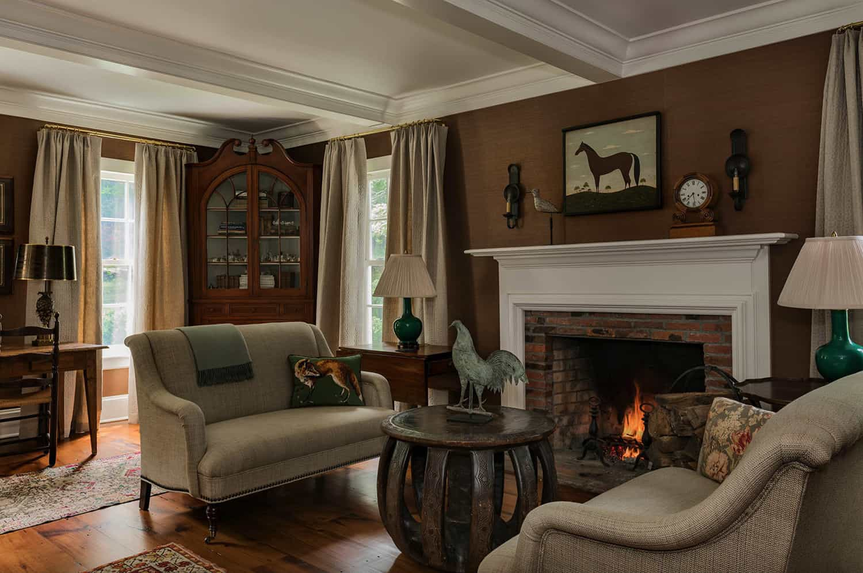 hudson-valley-farmhouse-living-room
