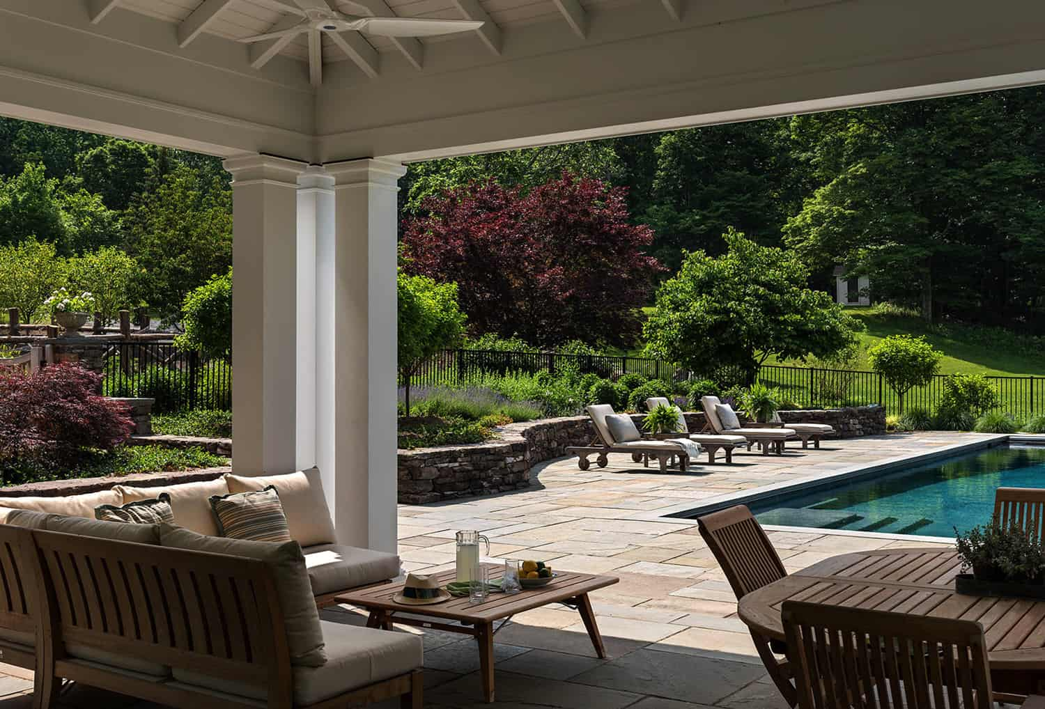 hudson-valley-farmhouse-covered-patio