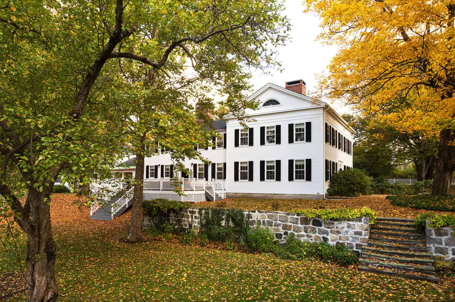 colonial-style-home-exterior