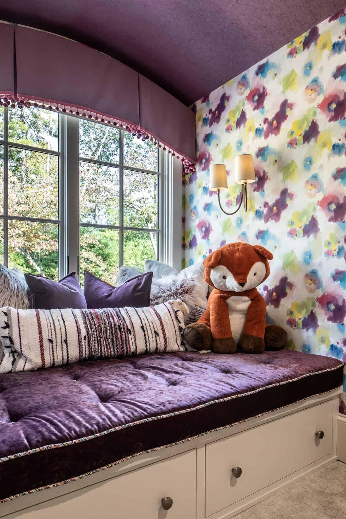 contemporary-kids-bedroom-window-seat