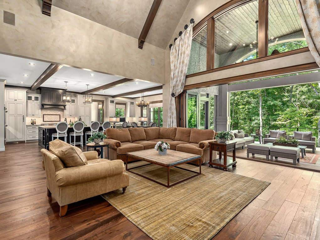 contemporary-living-room-before-the-renovation