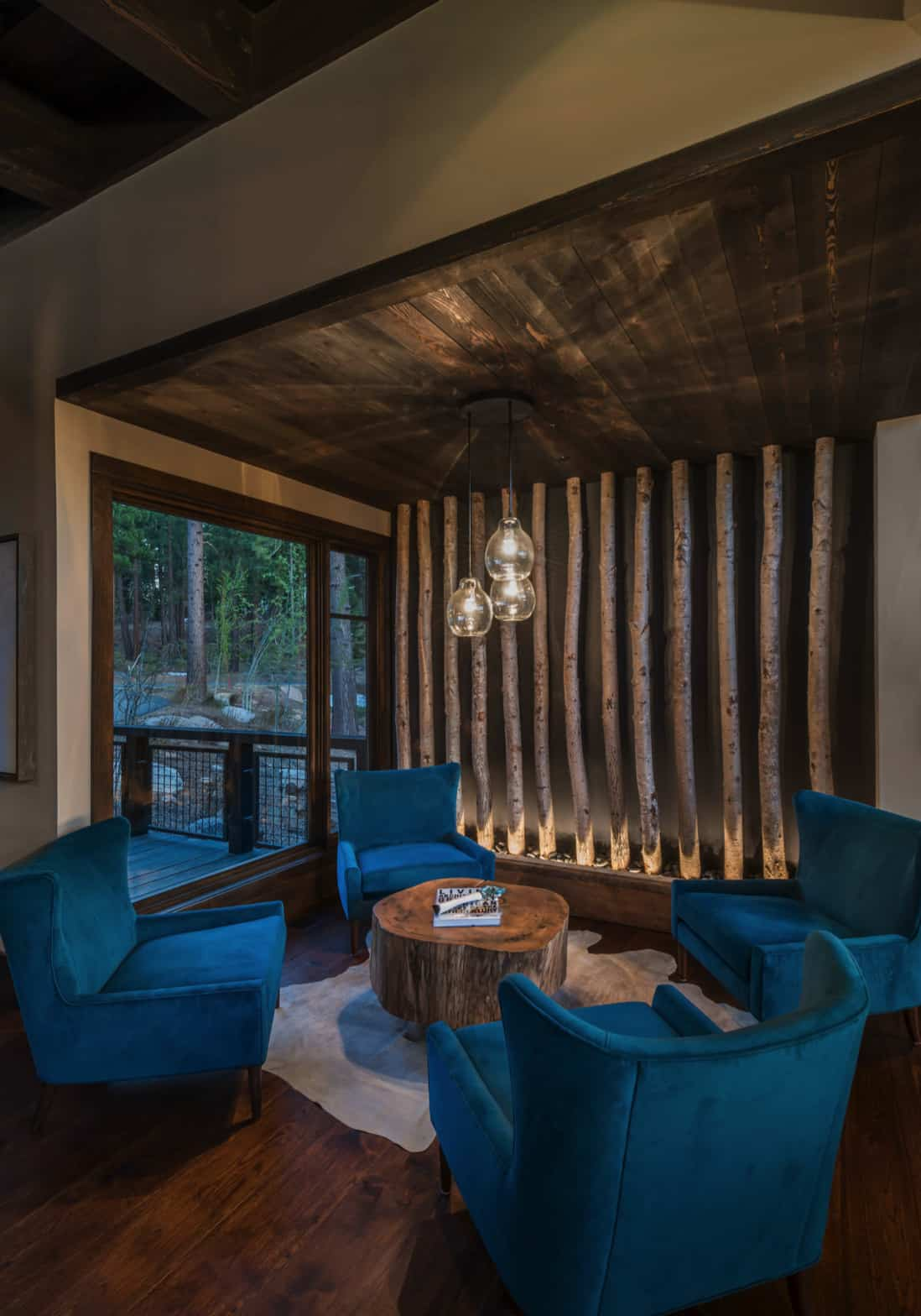 rustic-contemporary-mountain-home-sitting-room
