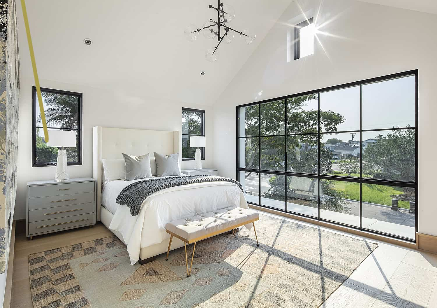 european-transitional-style-bedroom