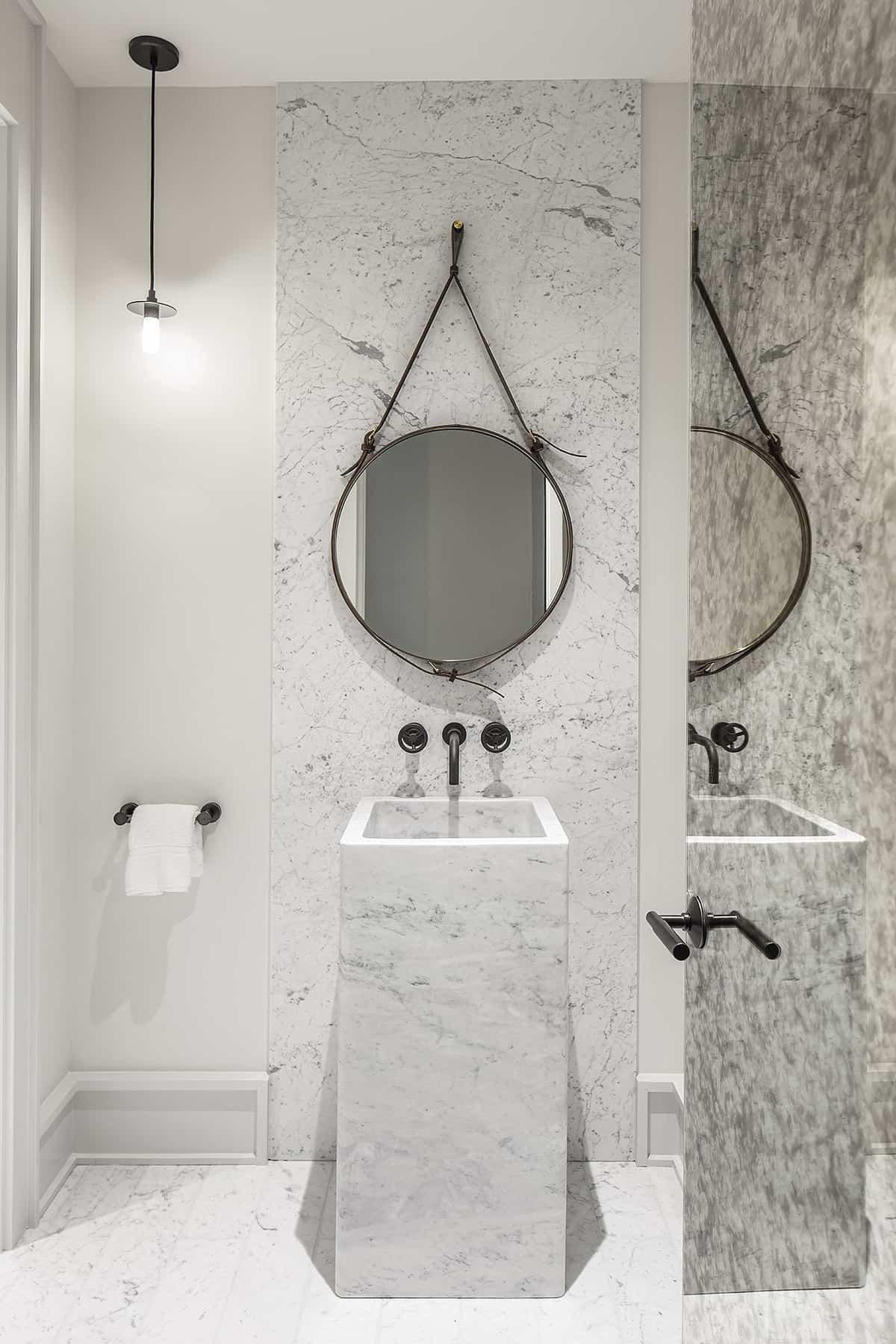 transitional-style-powder-bath