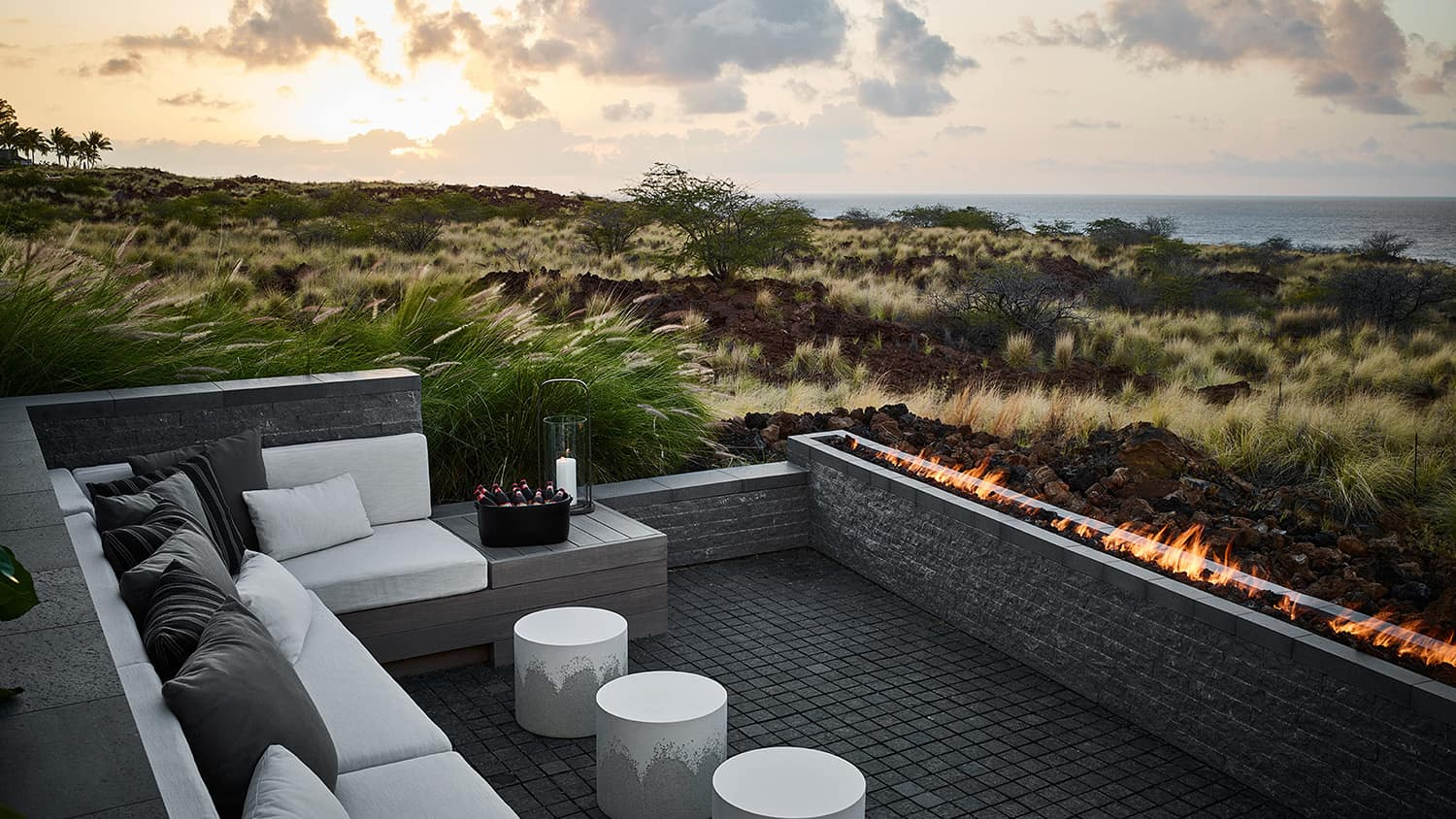 hawaii-holiday-home-patio-with-firepit
