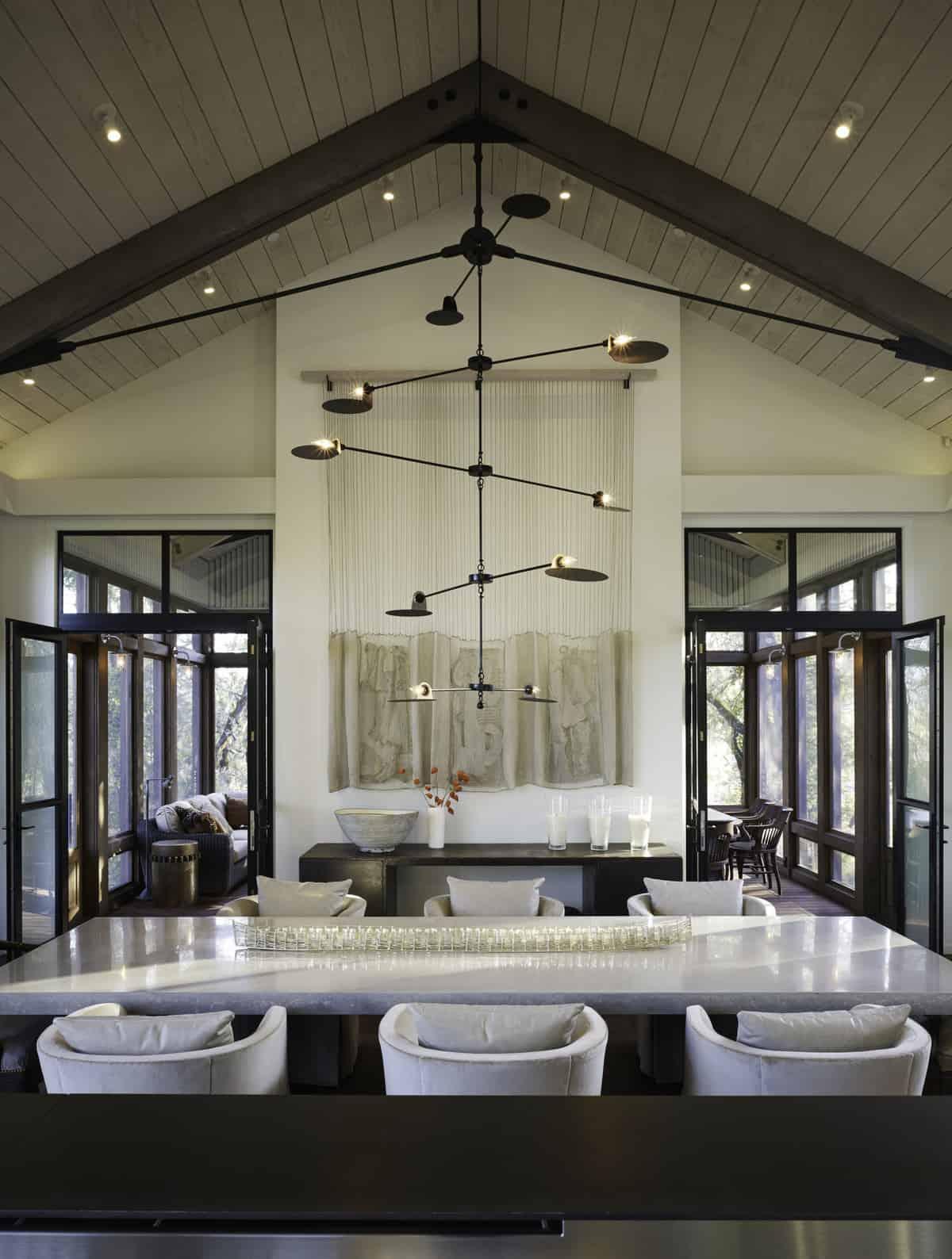 industrial-farmhouse-dining-room