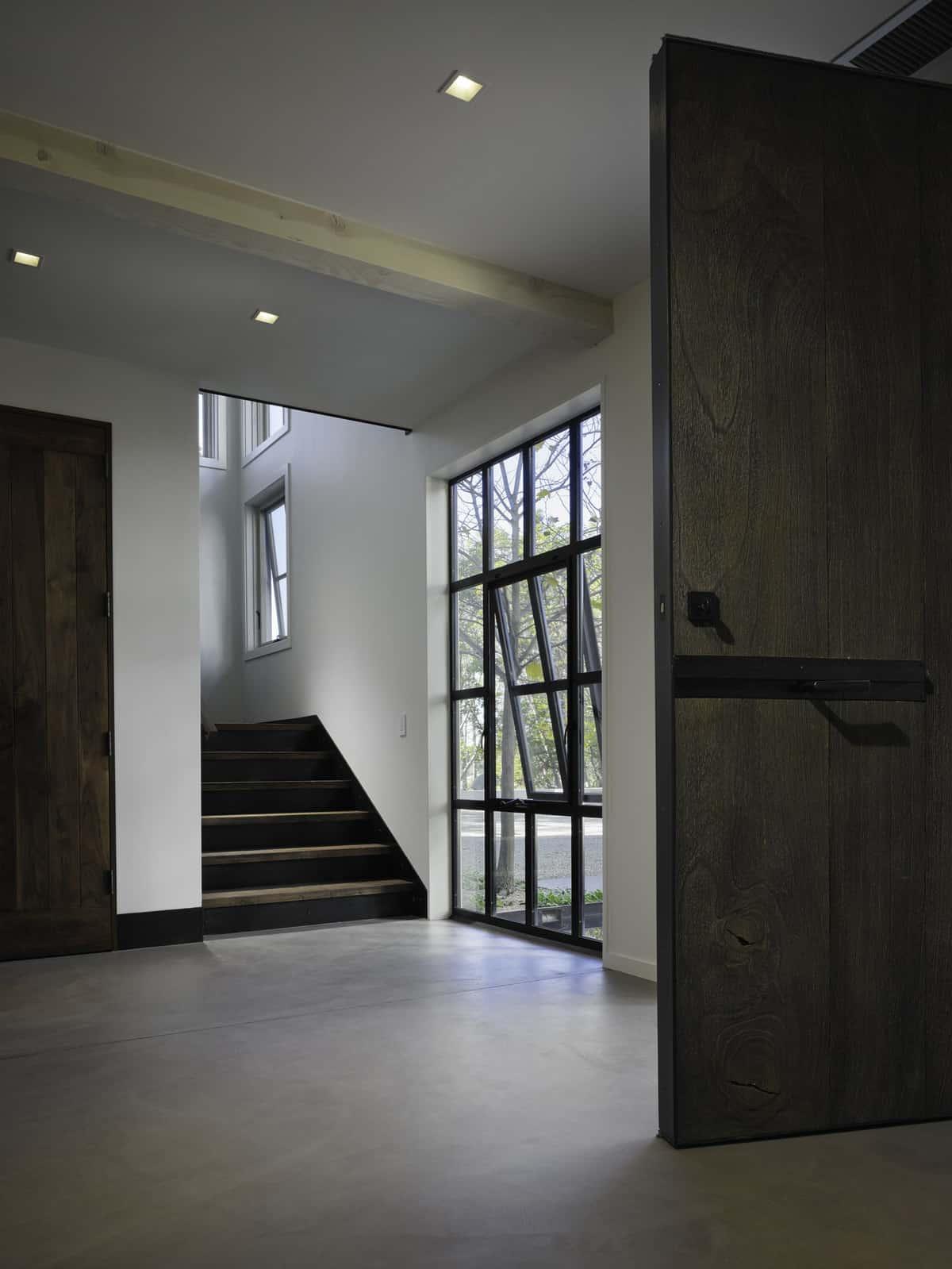 industrial-farmhouse-entry