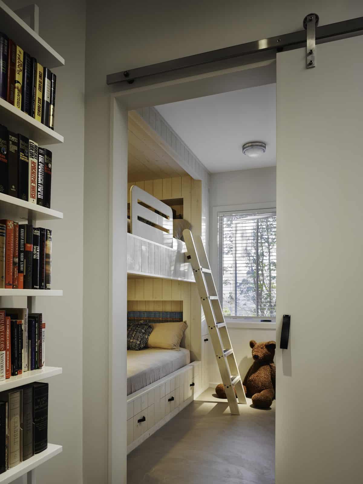 industrial-farmhouse-bunk-bedroom