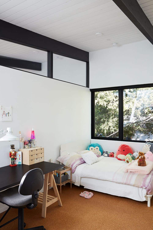 mid-century-modern-kids-bedroom