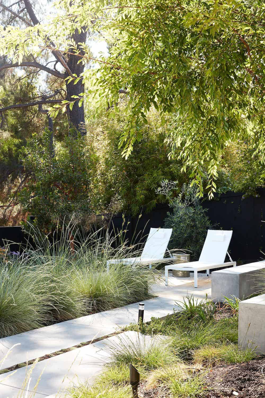 mid-century-modern-home-patio