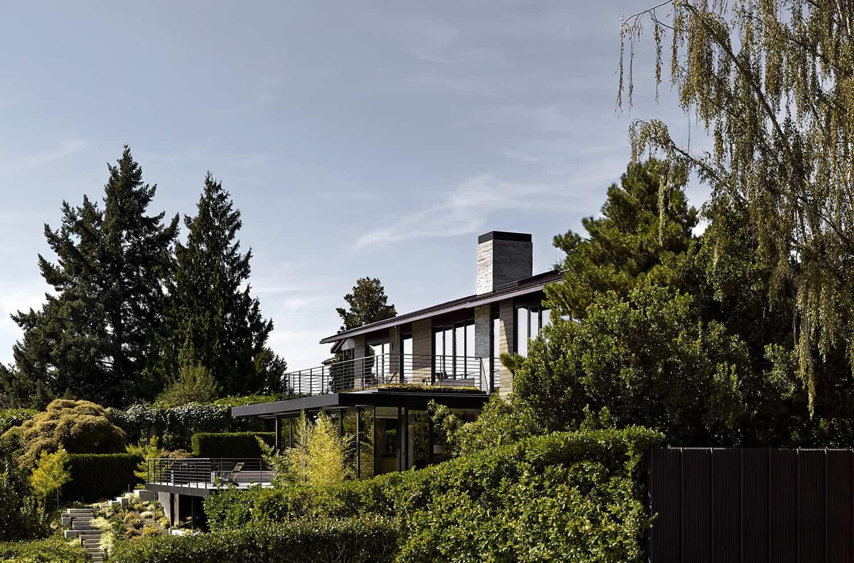 exterior de casa moderna de mediados de siglo