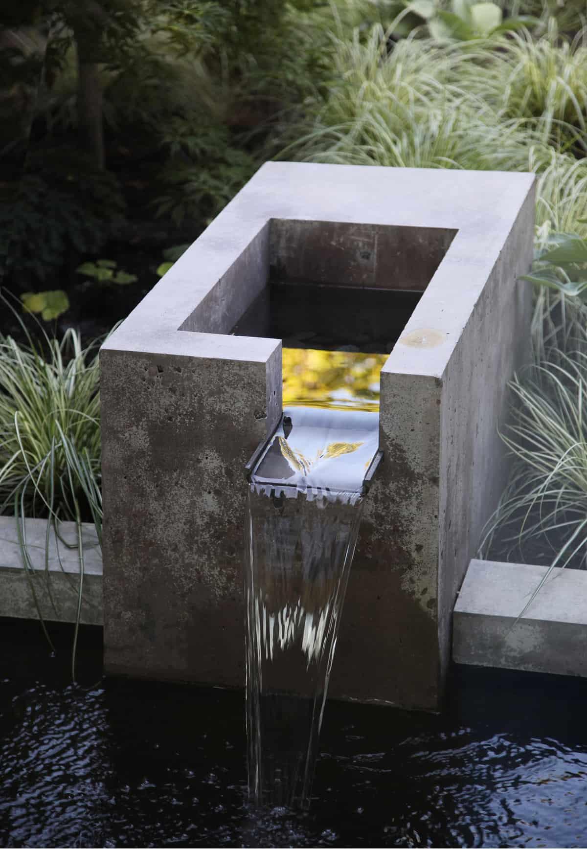 característica de agua moderna de mediados de siglo