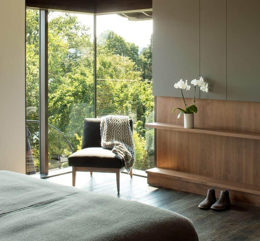 dormitorio moderno de mediados de siglo