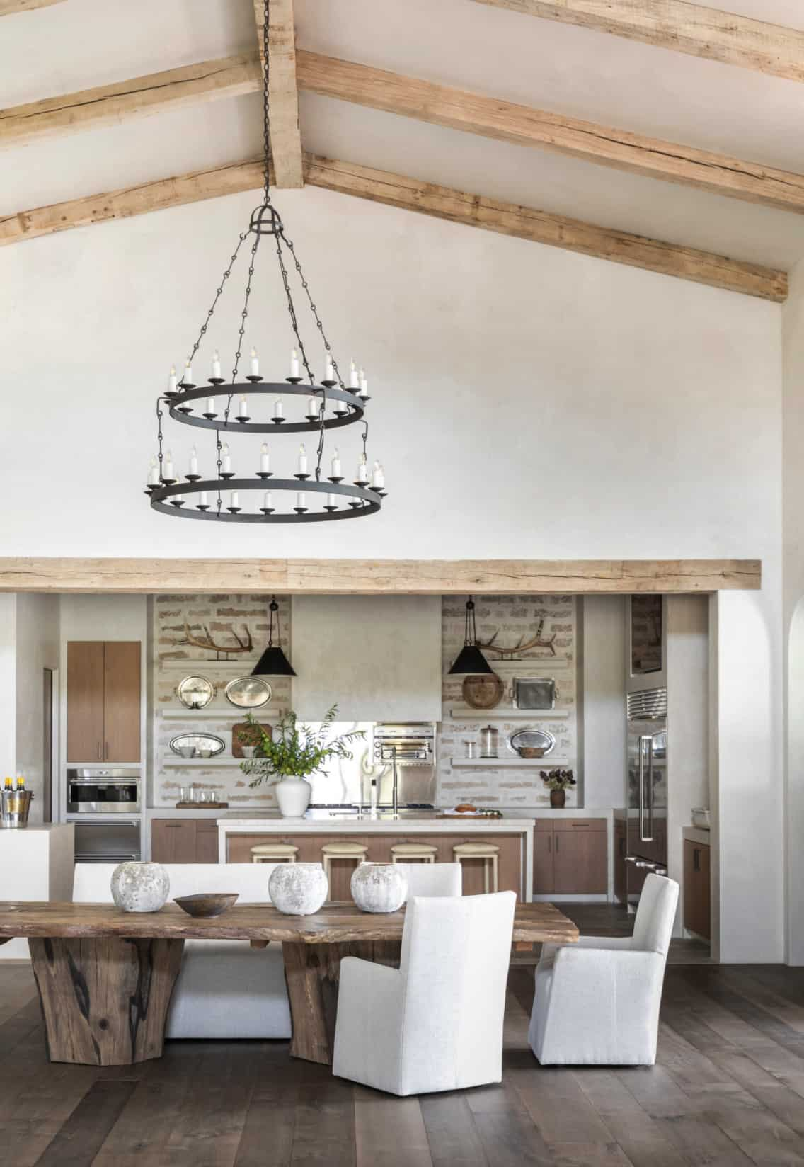 modern-belgian-farmhouse-style-dining-room
