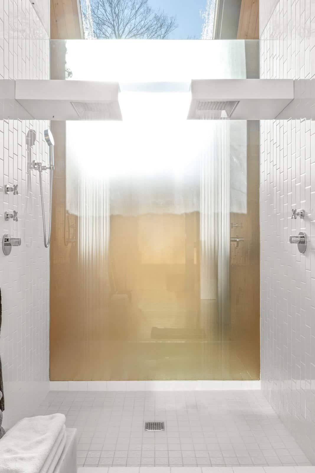 modern-farmhouse-bathroom-shower