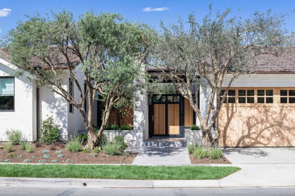 featured posts image for Dream Home Tour: A striking Napa modern farmhouse in Newport Beach