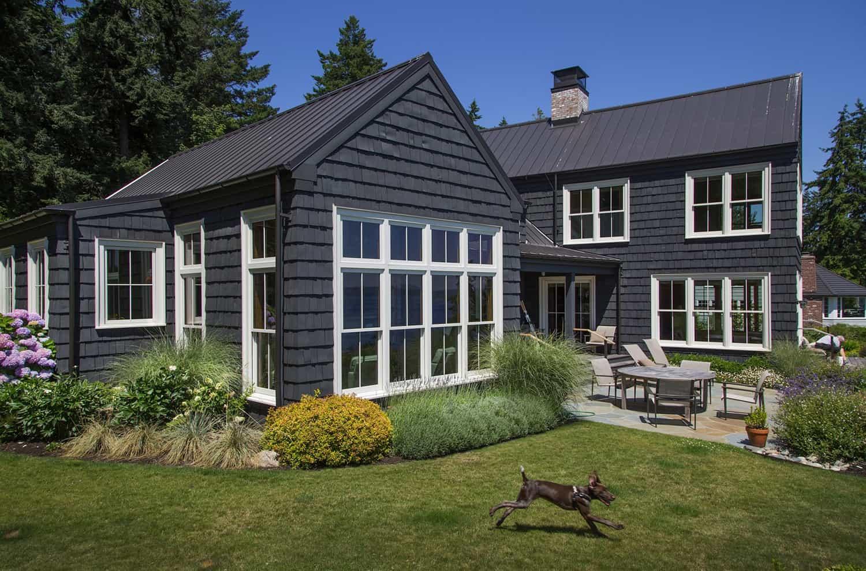 traditional-coastal-home-exterior