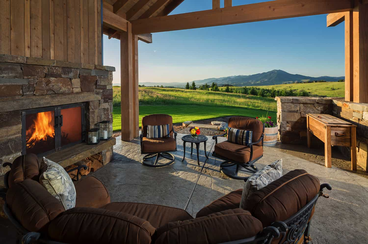 modern-rustic-patio-with-a-mountain-view