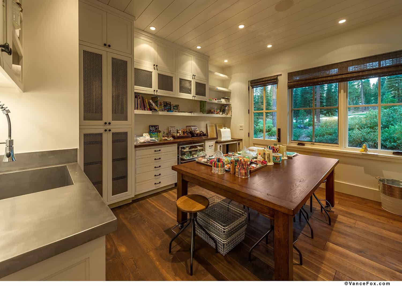 mountain-style-farmhouse-craft-room