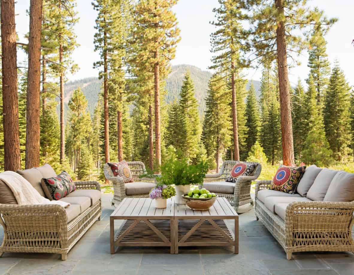mountain-style-farmhouse-patio