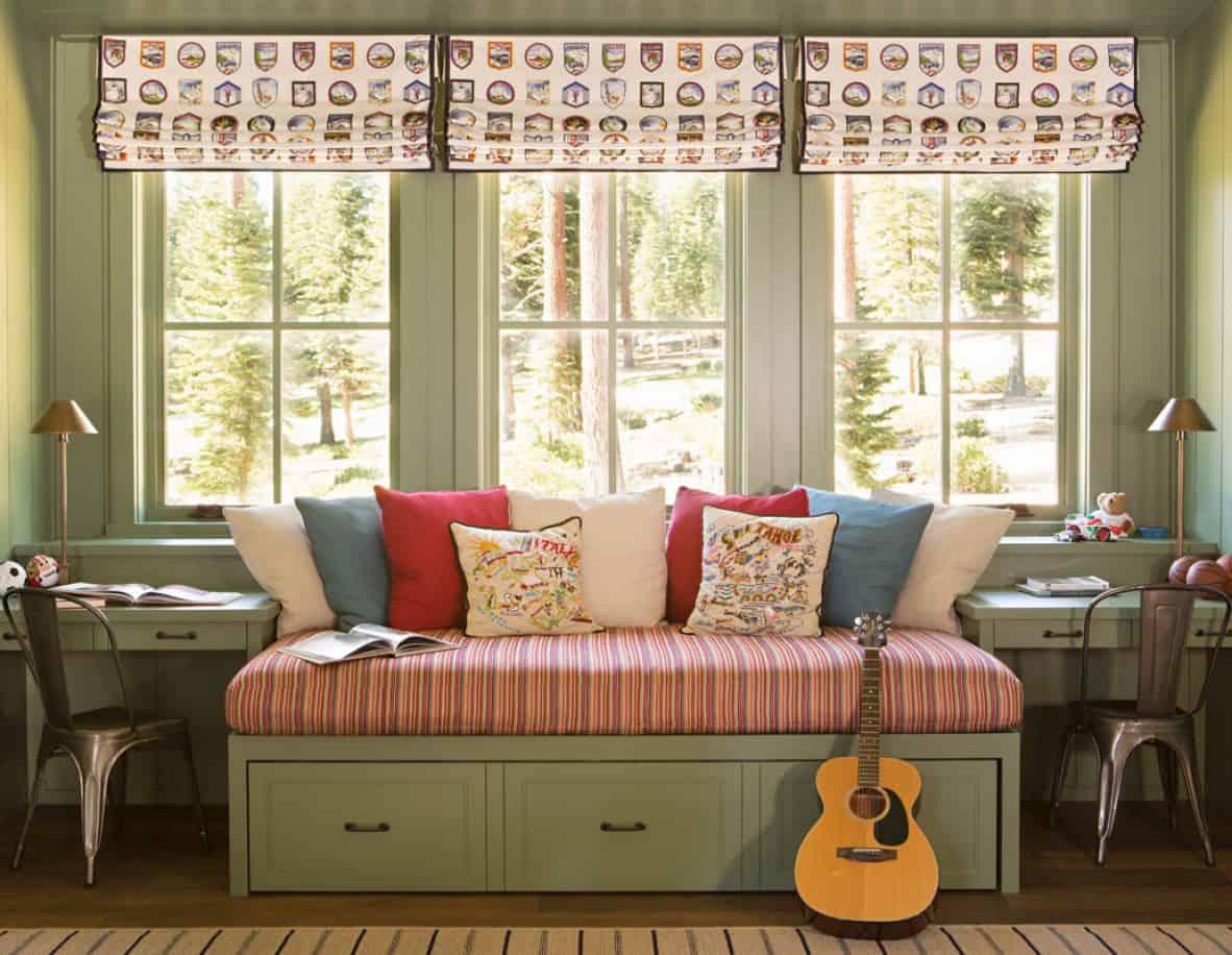 mountain-style-farmhouse-bunk-bedroom