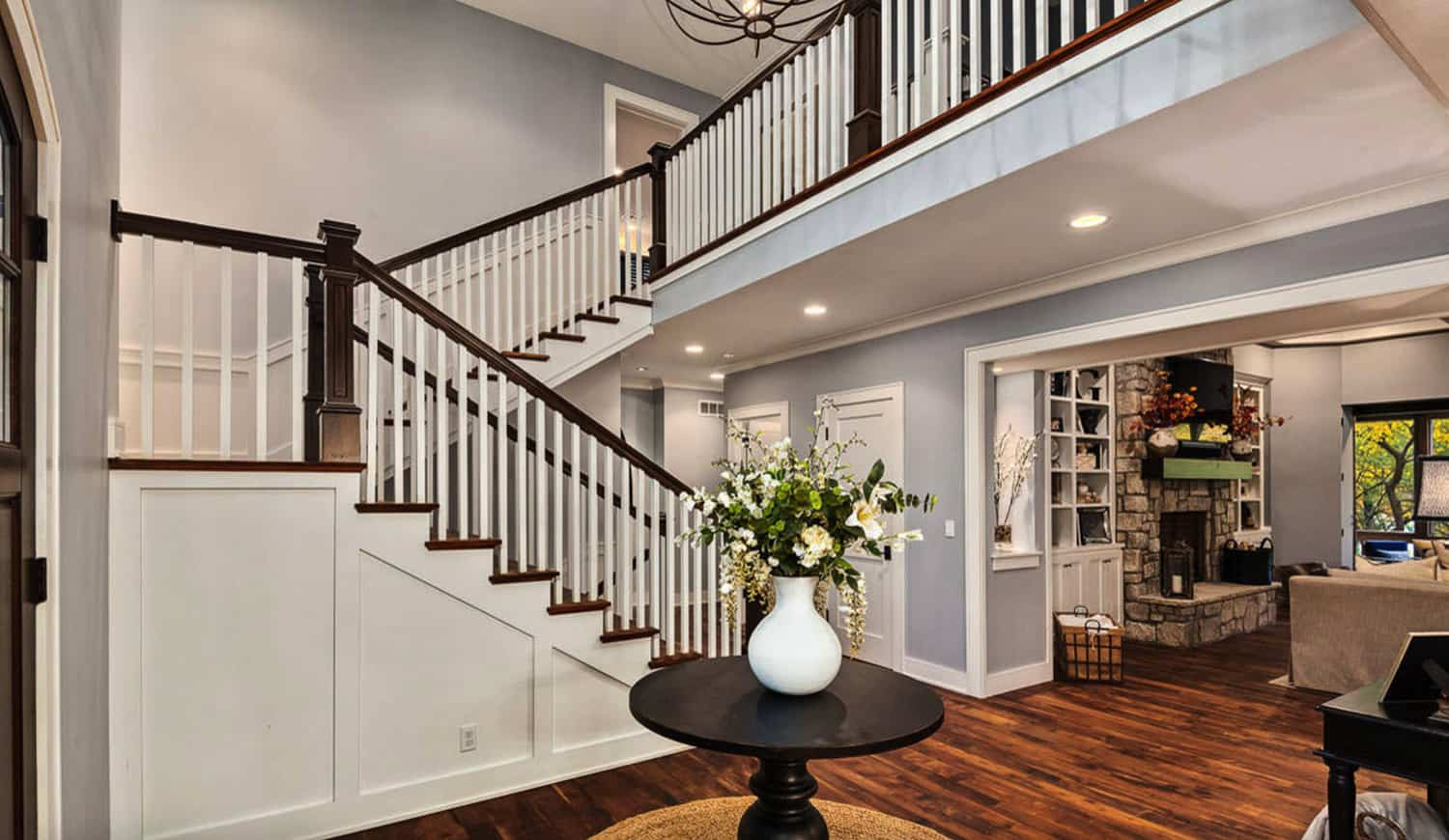 craftsman-cottage-staircase