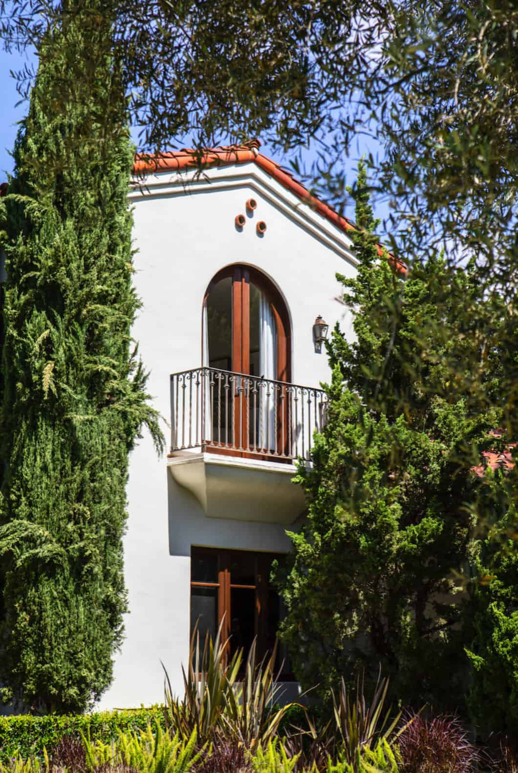 mediterranean-home-exterior