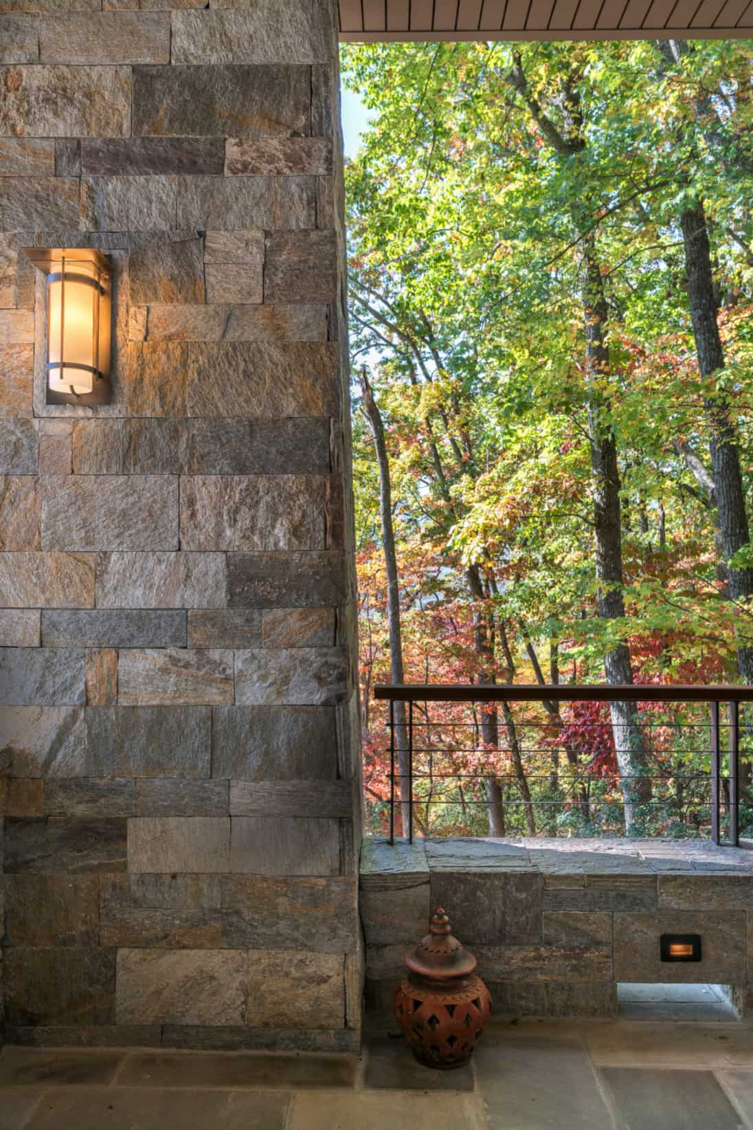 transitional-mountain-home-exterior