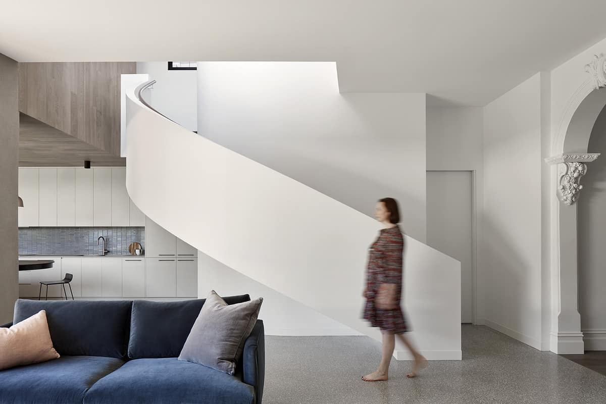 contemporary-curved-staircase
