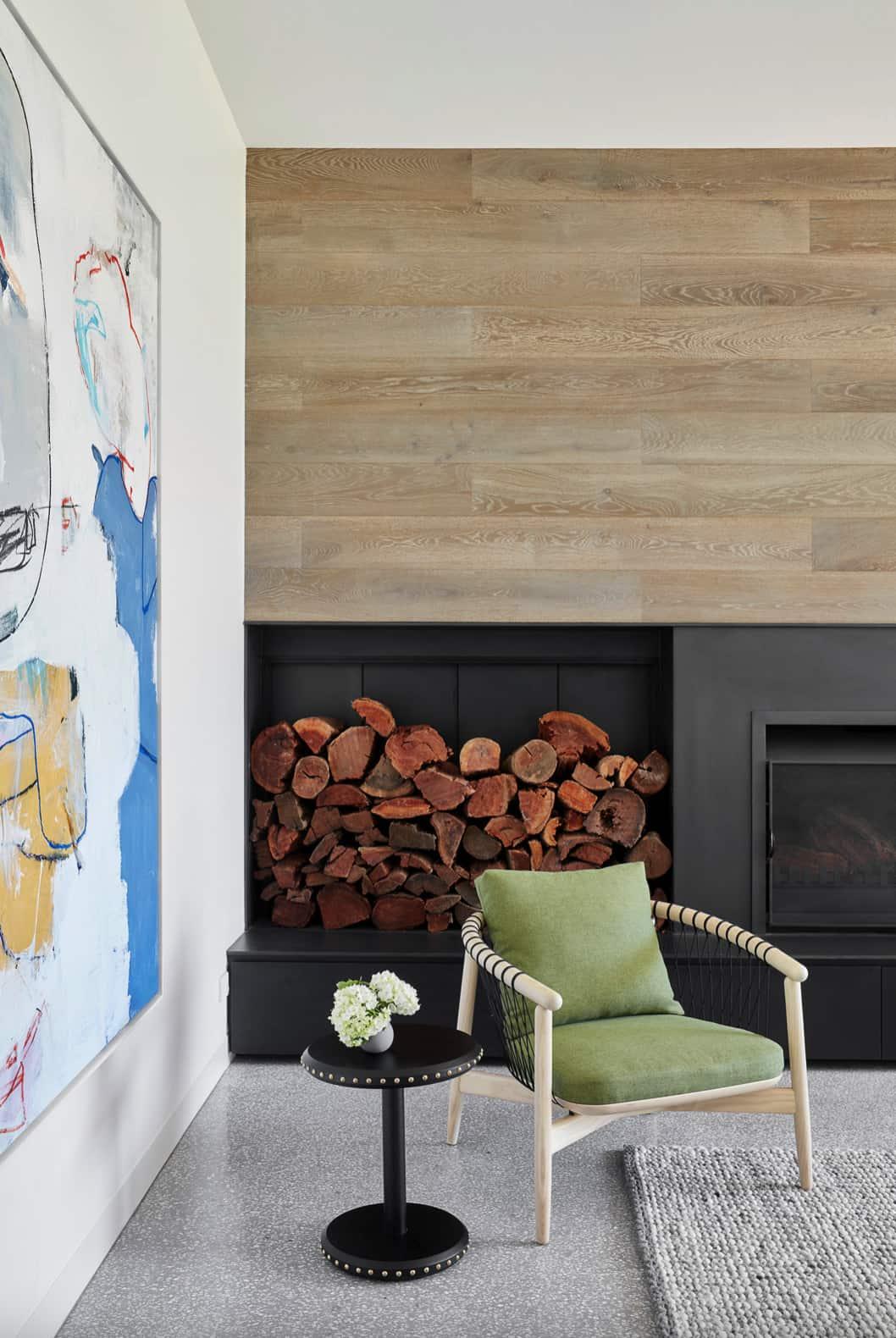 contemporary-house-living-room-fireplace
